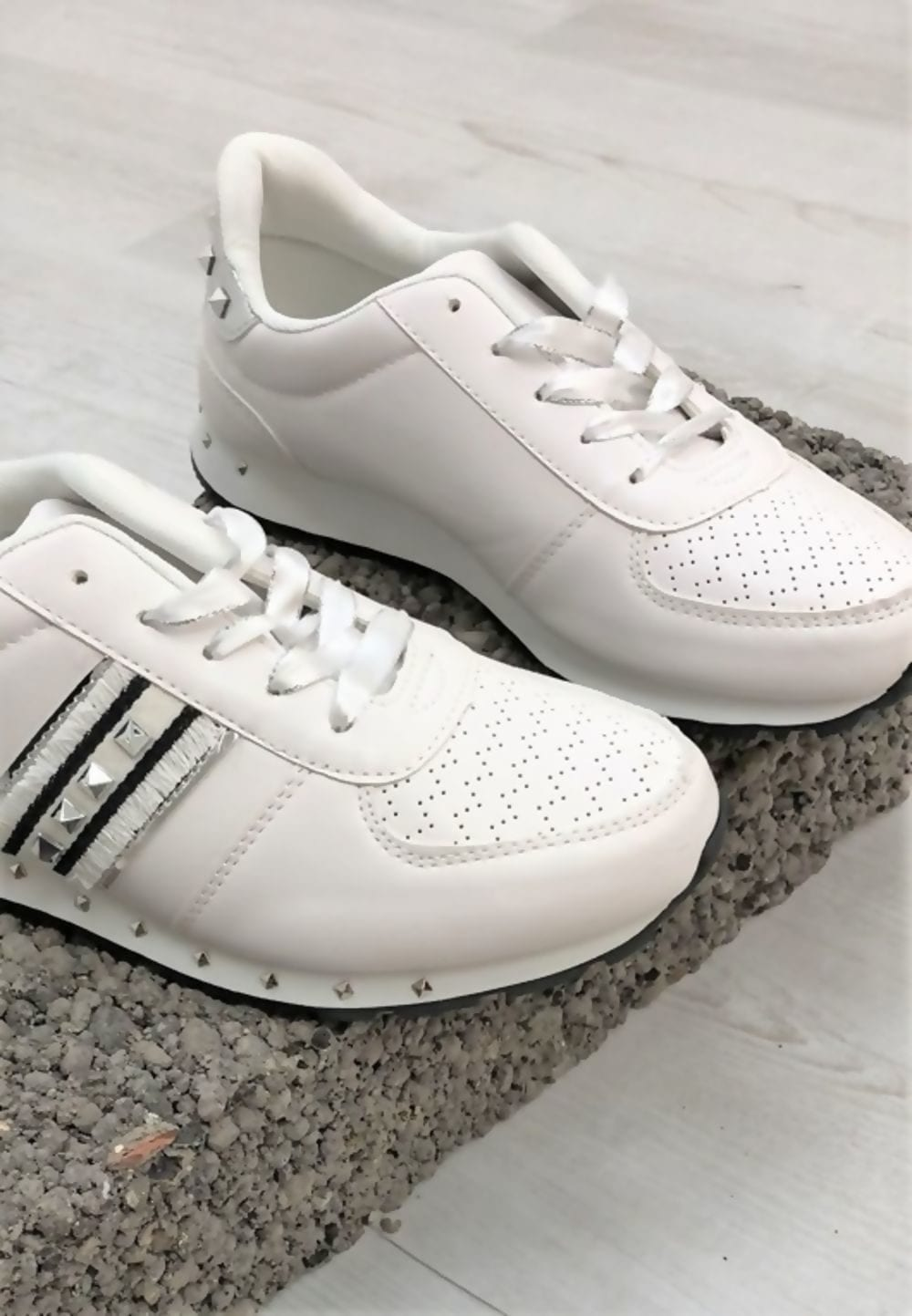 White Stud Trainers